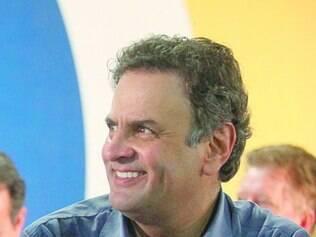 Aécio Neves promete reduzir ministérios e dar atenção especial ao Nordeste