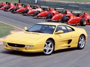 Ferrari 355 é um dos modelos clássicos da marca italiana, sucessor do 348
