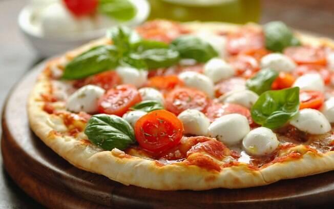 Pizza sem glúten é uma uma ótima ideia para os celíacos e também para quem busca uma alternativa saudável