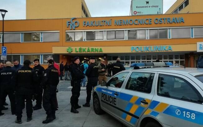 Segundo informações, pessoas foram alvejadas na sala de espera do local