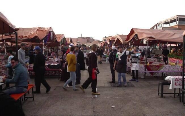 Mercado que acontece diariamente dentro da Medina de Marrakesh