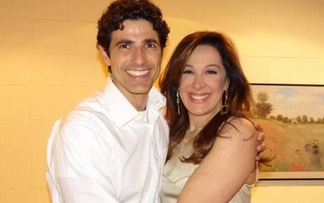 Reynaldo Gianecchini tietou a amiga Claudia Raia nos bastidores da novela 'Salve Jorge'