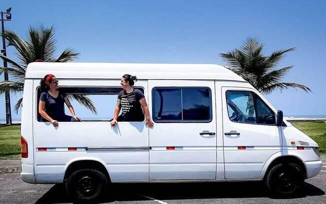 Conheça Noelma e Fernanda, casal que largou e está montando um motorhome para viajar pelas Américas