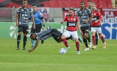 Flamengo goleia ABC e põe pé nas quartas da Copa do Brasil