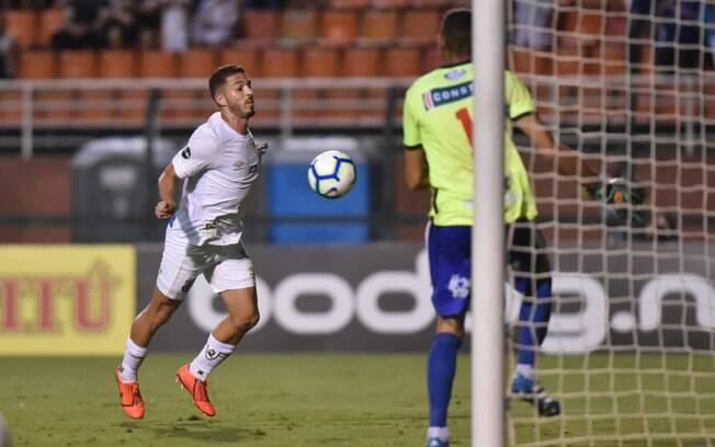 Destaque no Paulista, Jean Mota marcou um dos gols da fácil vitória desta quinta-feira