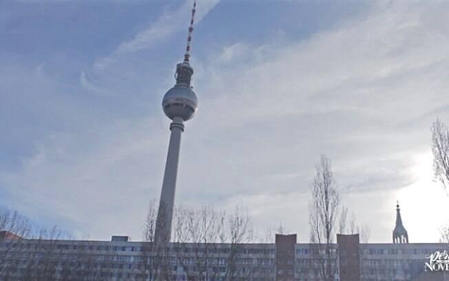 Torre de Televisão destaca-se na paisagem da cidade alemã