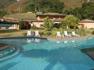 Pousada Quinta da Paz possui grandes piscinas para os hóspoedes