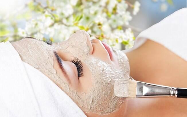 Máscara facial pode ser feita com ingredientes simples