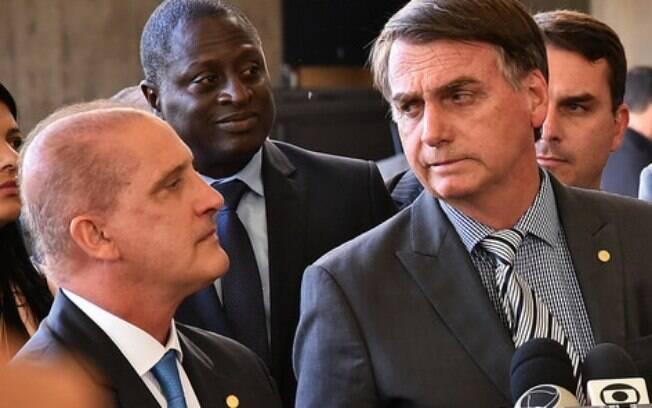 Parecer de órgão técnico menciona que a campanha de Bolsonaro recebeu doações de fontes não permitidas