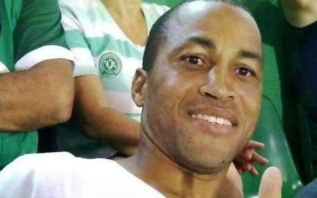 Fabinho Azevedo, ex-jogador da Chapecoense, morreu após acidente de carro em Santa Catarina