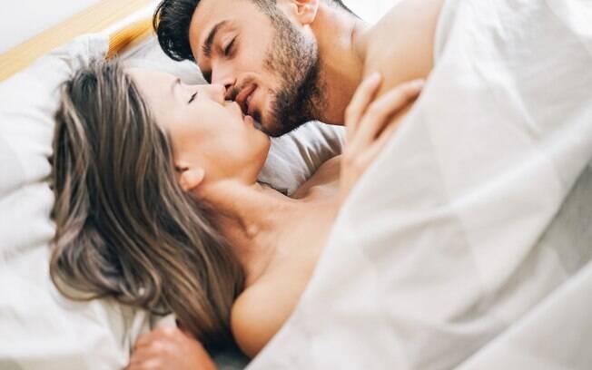 Muitas mulheres não conseguem lidar com o esforço físico as posições sexuais que a colocam sobre os homens exigem