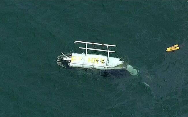 Helicóptero cai em mar do Rio de Janeiro na manhã desta quarta-feira (9)