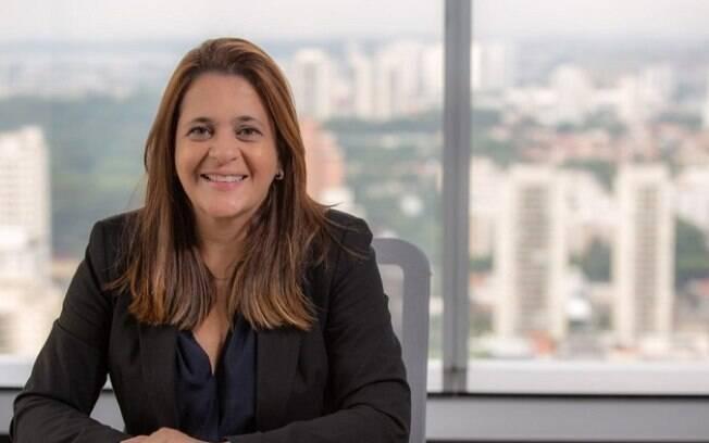 Simone Ramos destaca que pandemia agravou questão da dupla jornada feminina