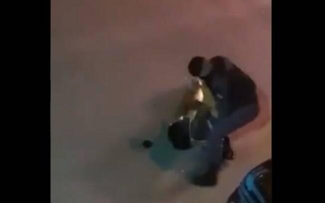 Vídeo mostra momento em que Eliane foi derrubada e recebeu soco no rosto