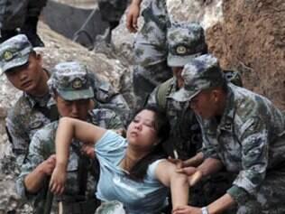 Terremoto na China deixa mais de 100 mortos e milhares de feridos