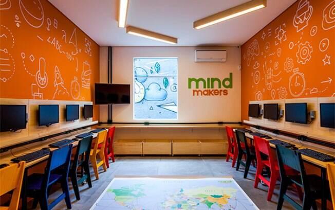 Curso gratuito da Mind Makers em São Paulo ensina crianças de 7 a 13 anos a criarem seu próprio video game
