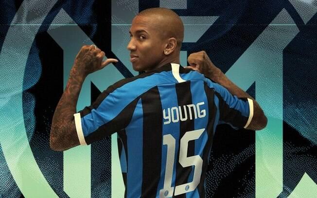 Ashley Young é o novo reforço da Inter de Milão