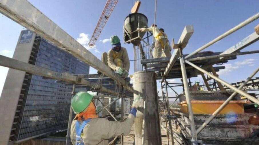 Setor da construção civil teve retração por causa da pandemia
