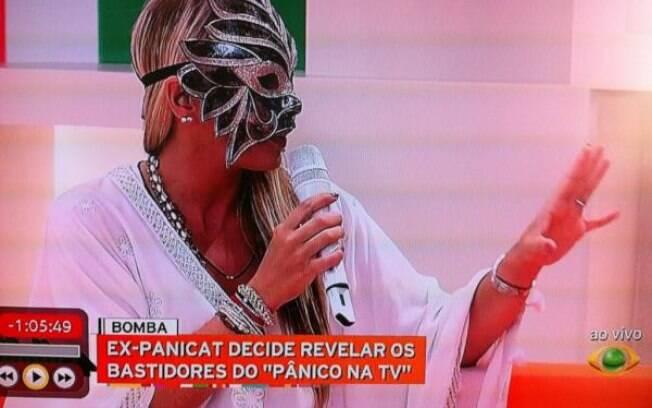 Adriane Galisteu na estreia de seu programa, o