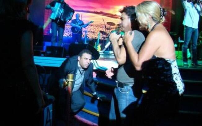 Zezé desceu do palco para interagir com o público