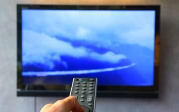 TV aberta é principal fonte de entretenimento de quem mora sozinho