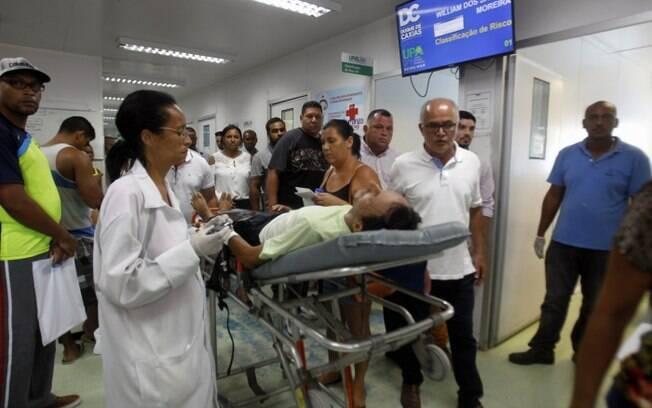 Secretário municipal de Duque de Caxias, José Carlos de Oliveira, acompanha atendimento na UPA, após sua reabertura