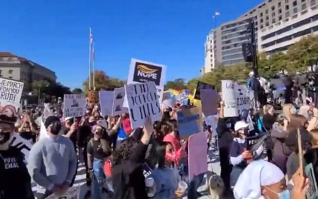 Milhares de mulheres foram às ruas nos Estados Unidos protestar contra o presidente Donald Trump às vésperas das eleições