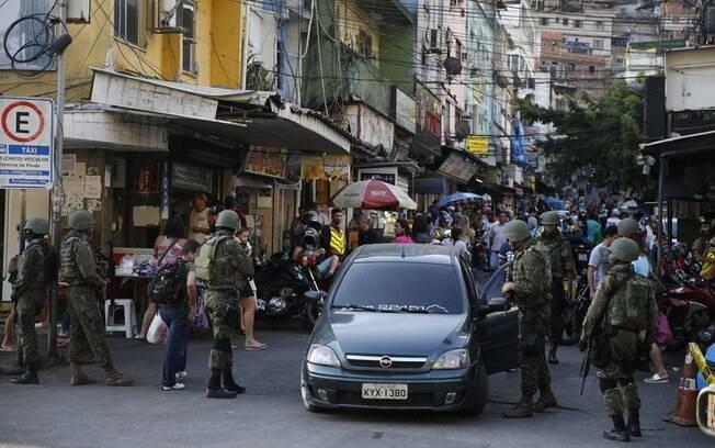 Moradores da Rocinha relataram tiroteios na comunidade durante a operação do Gabinete de Intervenção Federal