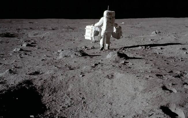 Mitos sobre o universo englobam até a ideia de que a chegada do homem na Lua seja uma mentira