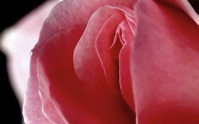 Caso a mulher note diferença no cheiro do corrimento, é indicado que procure um ginecologista para fazer uma avaliação