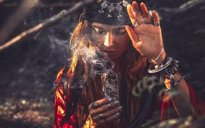 Os Encantos da Magia Cigana