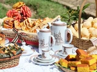 O chá de Congonhas é acompanhamento obrigatório das quitandas servidas no festival