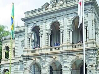 Convidados lotaram os jardins do Palácio da Liberdade ontem