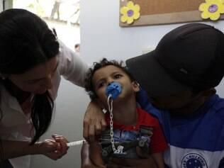 Vacinação contra poliomielite e sarampo vai até o dia 12 de dezembro