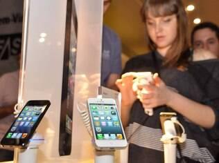 iPhone 5 pode ter sucessores com telas maiores e cores variadas, dizem fontes