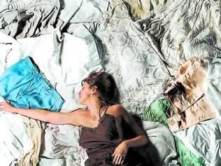 Amizade. Beatriz França atua criando uma festa de despedida para a amiga e atriz Cecília Bizzotto, morta durante um assalto em 2012