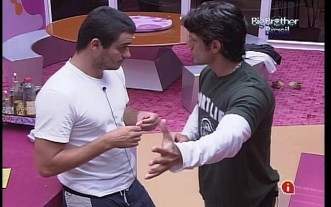 Rafa conversa João Maurício sobre Fael