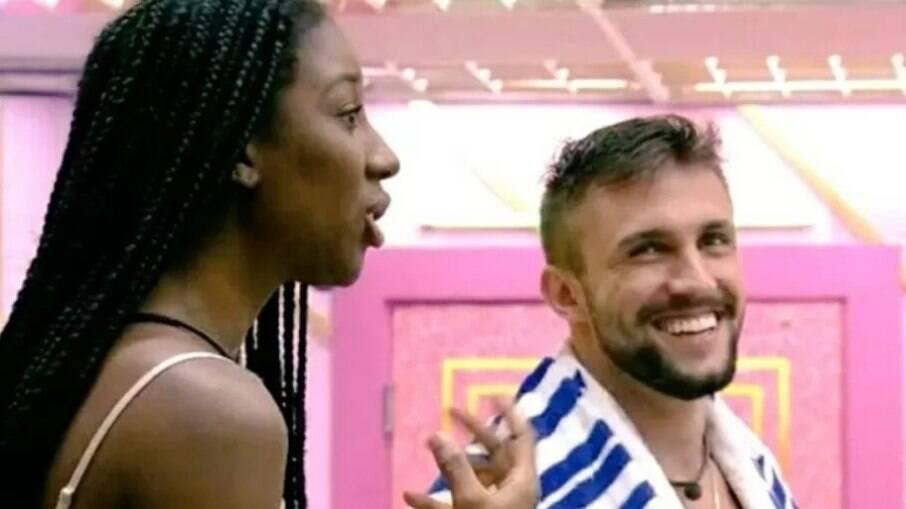 Arthur de confunde e diz que Noronha fica no Rio de Janeiro