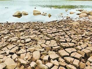 Precário.  Represa Serra Azul e demais reservatórios precisam de obras para ampliar a vazão