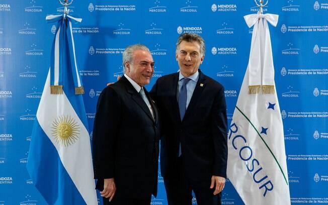 Presidente Michel Temer se despede do Presidente da República Argentina, Mauricio Macri, após a cúpula do Mercosul