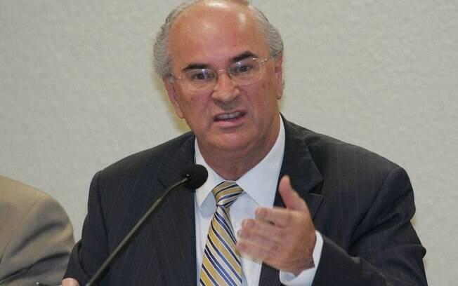 Advogado e compadre de Lula, Roberto Teixeira está com depoimento marcado para quarta-feira (13) em Curitiba