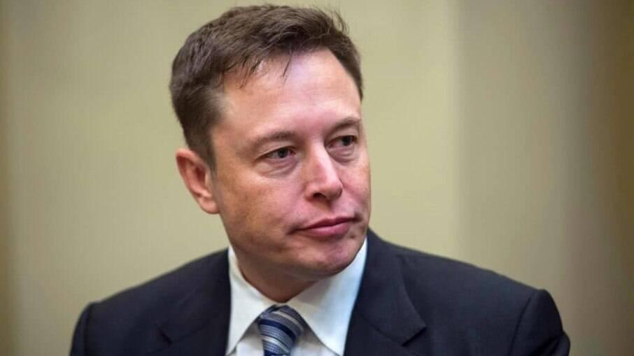 Criadores de meme dizem que Elon Musk, presidente-executivo da Tesla, usa materiais sem crédito de criação