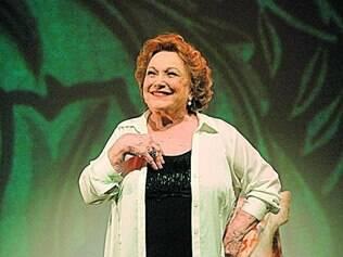 Atriz Nicette Bruno fa z quatro personagens em seu primeiro trabalho solo