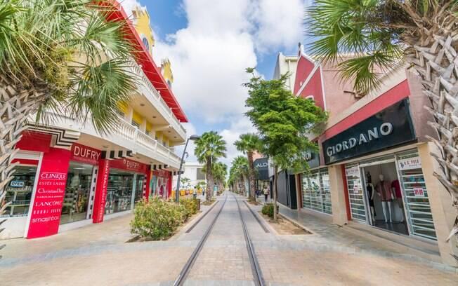 Trilhos de bonde em Oranjestad