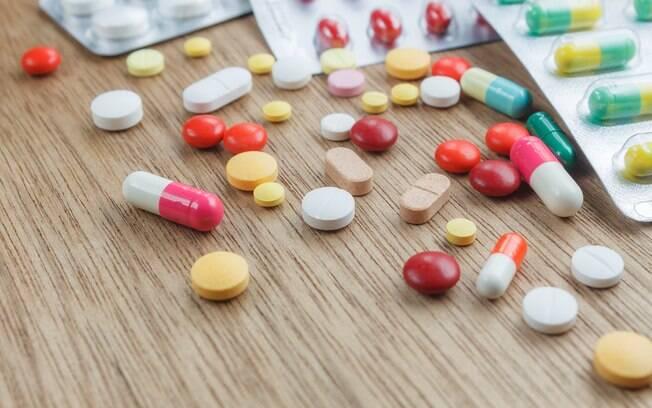 Investigadores encontraram caixas de remédios para tratamento de câncer compradas pelo governo por R$ 8 mil cada