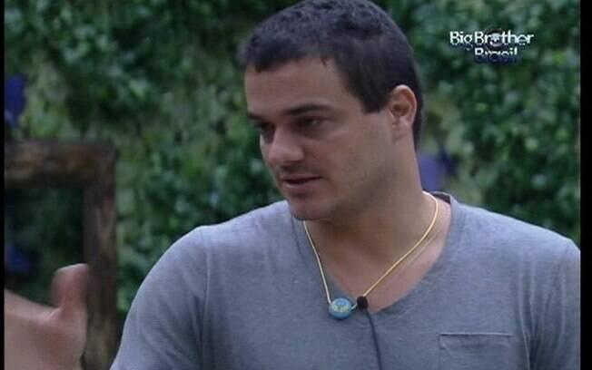 Rafa confessa que não sabe ainda o que fazer com o colar do Anjo