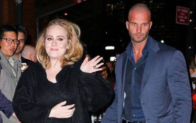 Peter protege Adele há anos e já apareceu em revistas e programas de celebridades
