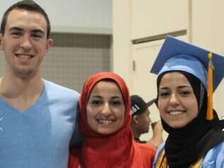 Perfil no Facebook foi criado com foto dos três jovens muçulmanos assassinados nos Estados Unidos