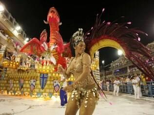 RJ: Desfile da União da Ilha no primeiro dia de apresentações das Escolas de Samba do Grupo Especial do Rio de Janeiro, no sambódromo Marquês de Sapucaí