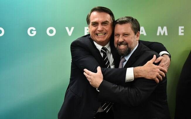 Carlos Sampaio pede mais esforço do governo na articulação com deputados